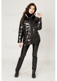 Черная глянцевая куртка с розовым подкладом