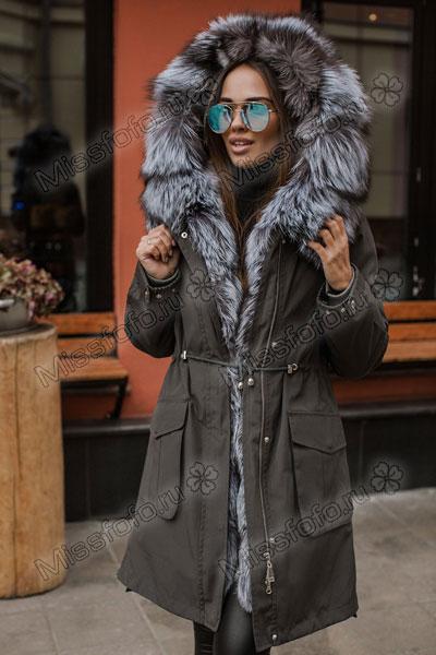 Зимняя женская парка с мехом чернобурки