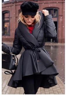 Зимний пуховик черного цвета