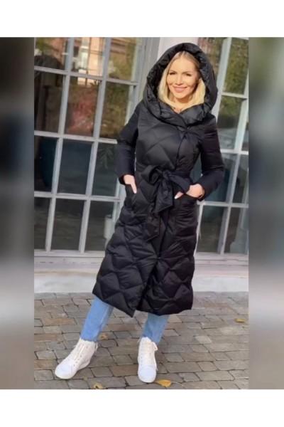Длинный зимний женский пуховик с капюшоном